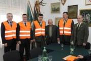 Lovački savez BPŽ primio od Županije donaciju reflektirajućih prsluka