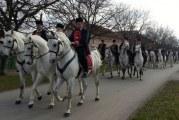 OČUVANJE TRADICIJE: Pokladno jahanje u Tomici okupilo 50 konjanika