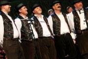 52. BRODSKO KOLO: Najbolje folklorne pjevačke skupine čuvaju od zaborava izvorno slavonsko folklorno pjevanje