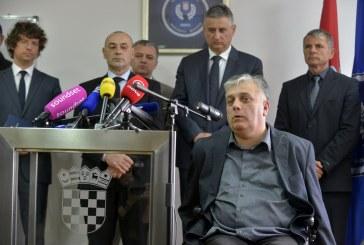 Karamarko i ministri sastali se s braniteljima: Šator zasad ostaje u Savskoj