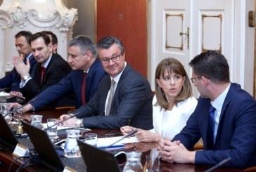 Bez komentara o krizi vlasti – Vlada rutinski donijela nove odluke
