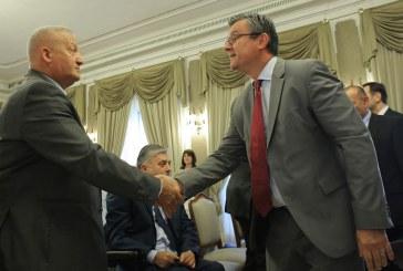 Premijer Orešković s braniteljima: 'očekujem da će Srbija poštivati uvjete za nastavak pregovora s EU'