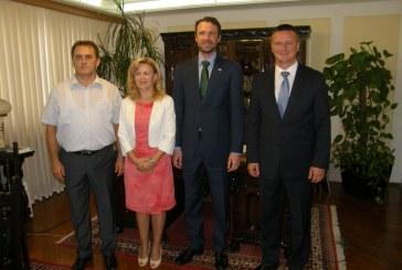 Britanski veleposlanik Andrew S. Dalgleish uz nastupnom posjetu Brodsko posavskoj županiji