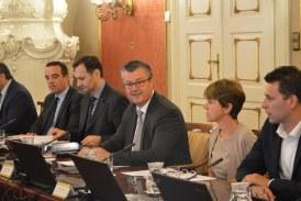 Vlada osigurala 120 milijuna kuna za javni prijevoz srednjoškolaca do kraja 2016.