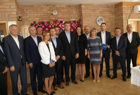 IZBORI 2016. – U fokusu izbornog programa HDZ-a gospodarska obnova Slavonije