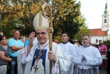 Kardinal Josip Bozanić u Slavonskom Brodu: zaštitite život i obitelj ondje gdje je ugrožena!