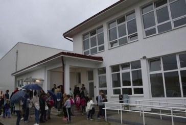 APSURDI BIROKRACIJE – Učenici u Podcrkavlju imaju novu školu, a na nastavu još idu u staru