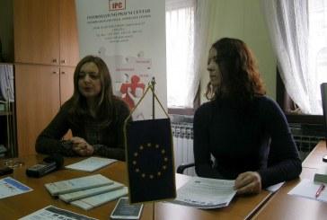Završila provedba projekta 'Civilno društvo za odgovorno upravljanje': kojim mjerama protiv diskriminacije?