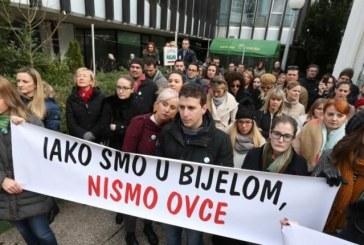 Prosvjed liječnika pred Ministarstvom zdravstva: 'Iako smo u bijelom, nismo ovce'