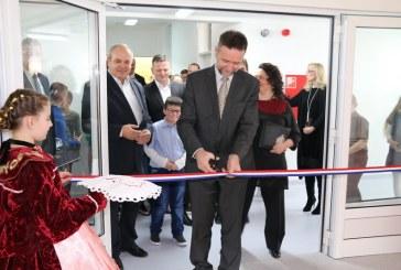 Ministar obrazovanja Pavo Barišić svečano otvorio novu školu u Podcrkavlju