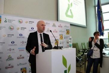 Ministar Tomislav Tolušić otvorio 'Doručak s hrvatskih farmi' i 'Slavoniku' u Osijeku