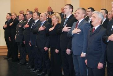 DAN VUKOVARSKIH BRANITELJA – Predsjednica RH: Očekujem da se pravdi privedu odgovorni za zločine u Vukovaru